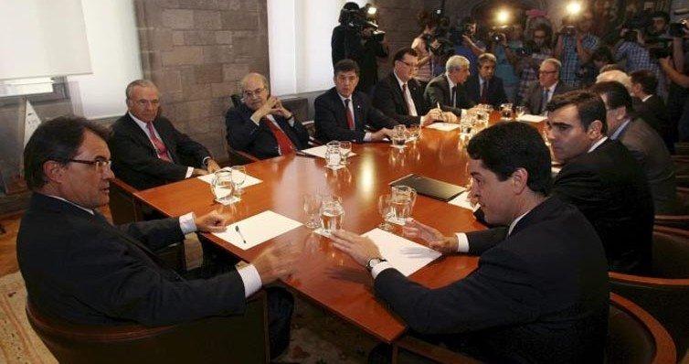Mas y Fainé convierten a Bañuelosen la respuesta catalana a Adelson