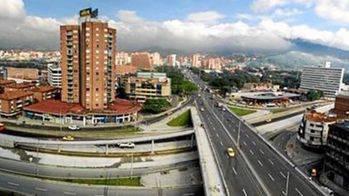 Colombia ofrece 30 proyectos de infraestructuras a España