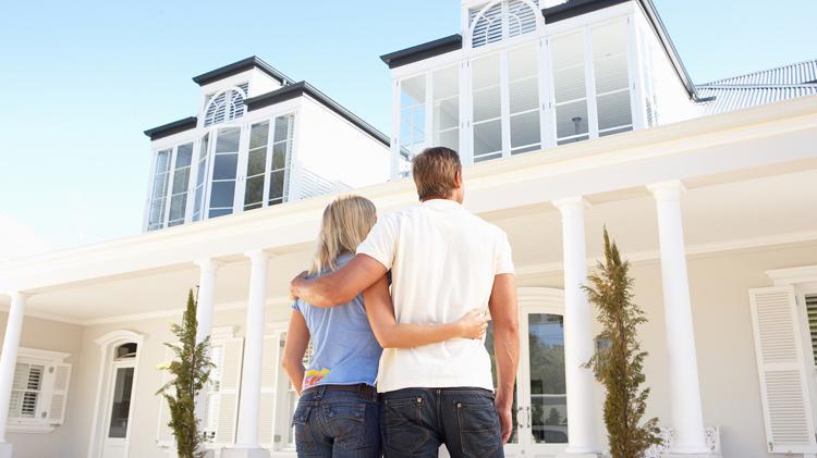 Los extranjeros compraron en España casi un 13% más de viviendas en 2015